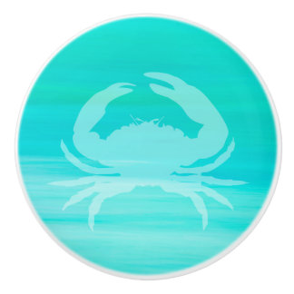 Aquamarine turquoise sea water with a crab ceramic knob