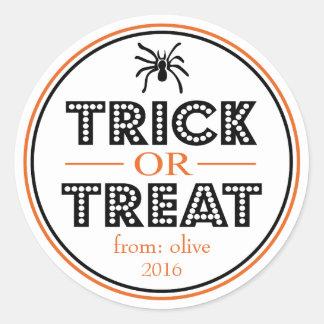 Araignée de des bonbons ou un sort (noir/orange) sticker rond