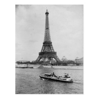 aris,France: view of Eiffel tower and Seine river Postcard