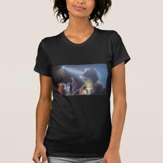 Armes à feu et vitesses de filles t-shirt