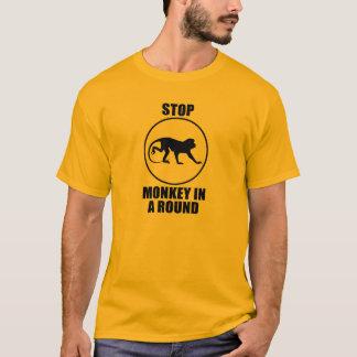 Arrêtez le singe dans un rond t-shirt