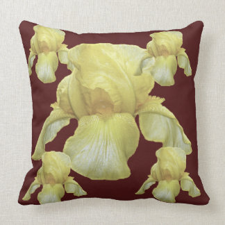 art blanc d'iris teinté par jaune sur le brun coussin