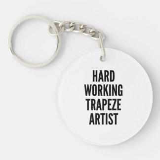 Artiste de trapèze travaillant dur porte-clé rond en acrylique double face
