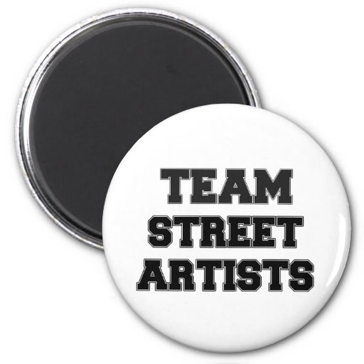 Artistes de rue d'équipe aimants