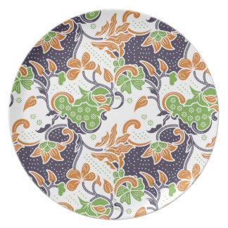 Artistic floral vines batik pattern plate