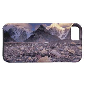 Asia, Pakistan, Karakoram Range, Broad and Case For The iPhone 5