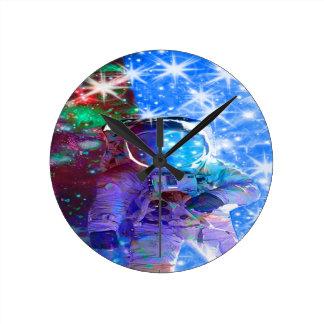 Astronaut Dimensions Round Clock