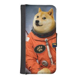 astronaut dog  - doge - shibe - doge memes iPhone SE/5/5s wallet case