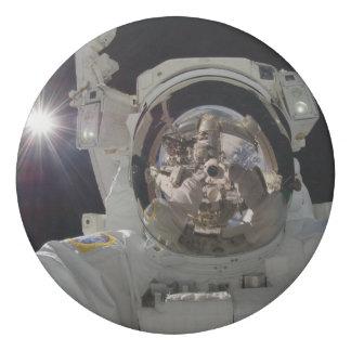 Astronaut selfie eraser