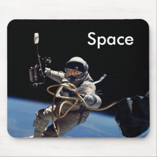 Astronaut Space Walk Mouse Pad