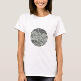 Astronaut Touching Brontosaurus Circle Mono Line T-Shirt