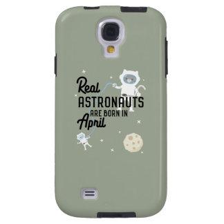 Astronauts are born in April Zg6v6