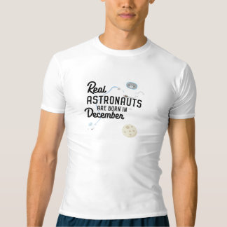 Astronauts are born in December Zcsl0 T-shirt