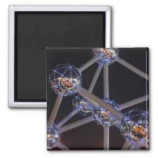 atom magnet