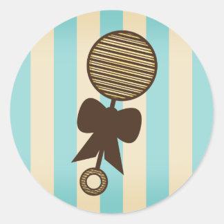Autocollant bleu de baby shower - hochet vintage