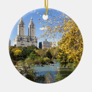 Autumn in New York, Thanksgiving Round Ceramic Ornament