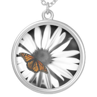 Avante Daisy+Butterfly Silver Necklace