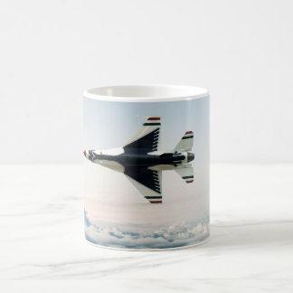 Avion de chasse d'ange bleu mug