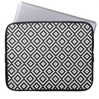 Aztec Symbol Block Rpt Pattern Black & White I Laptop Sleeve