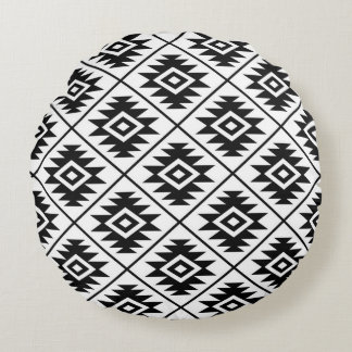 Aztec Symbol Stylized 2Way Ptn Black & White Round Pillow