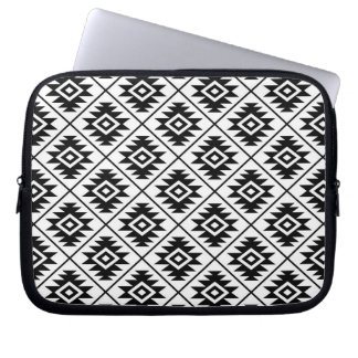 Aztec Symbol Stylized Rpt Pattern Black on White Laptop Sleeve