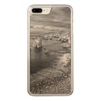 B&W beach coastline, California Carved iPhone 7 Plus Case