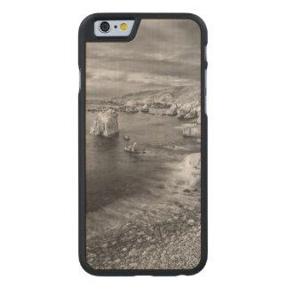 B&W beach coastline, California Carved® Maple iPhone 6 Case