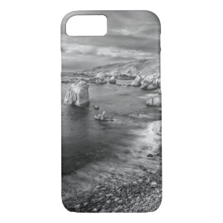 B&W beach coastline, California iPhone 8/7 Case
