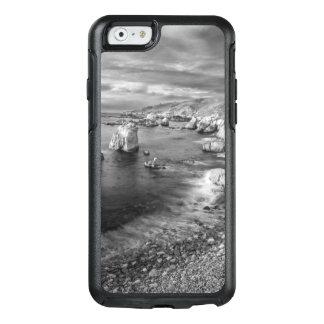 B&W beach coastline, California OtterBox iPhone 6/6s Case