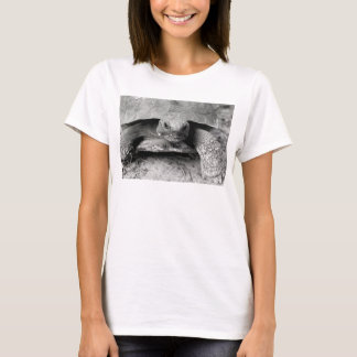B/W Gopher Tortoise T-Shirt