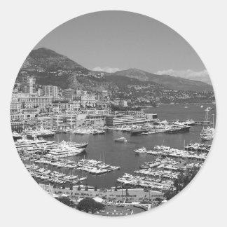 B&W Monaco Round Sticker
