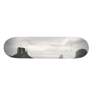B&W Monument Valley 4 Skateboards
