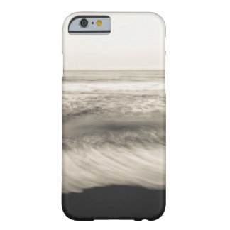 B&W seascape, Hawaii Barely There iPhone 6 Case