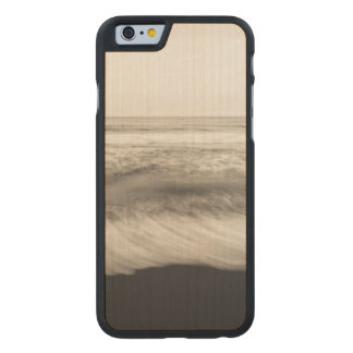 B&W seascape, Hawaii Carved® Maple iPhone 6 Slim Case