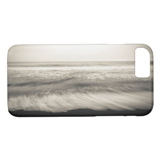 B&W seascape, Hawaii iPhone 8/7 Case