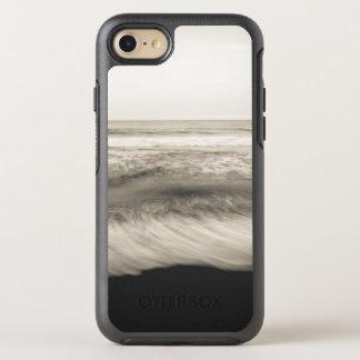 B&W seascape, Hawaii OtterBox Symmetry iPhone 8/7 Case