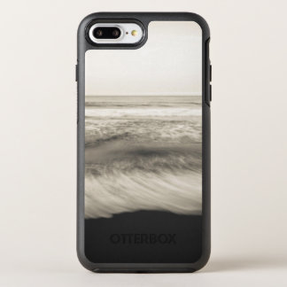 B&W seascape, Hawaii OtterBox Symmetry iPhone 8 Plus/7 Plus Case