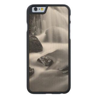 B&W waterfall, California Carved® Maple iPhone 6 Slim Case