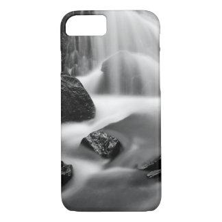 B&W waterfall, California iPhone 8/7 Case