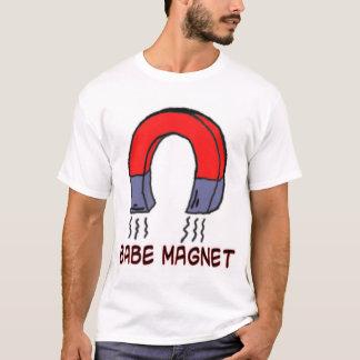 babe magnet T-Shirt