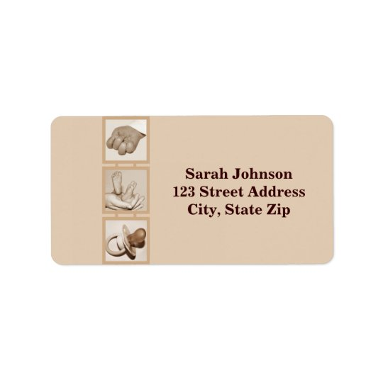 Baby feet, hand and pacifier_Label
