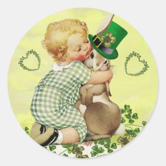 BABY HUGGING RABBIT IRISH ST.PATRICK'S DAY PARTY CLASSIC ROUND STICKER