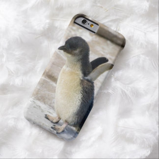 Baby Penguin Take-Off - iPhone 6 Cover