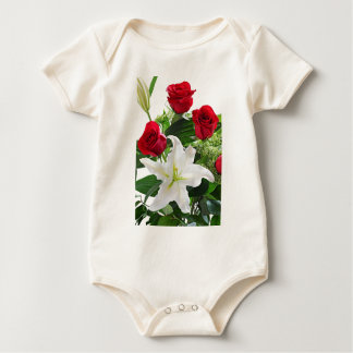 Baby shirt with flowers, roses and lily