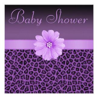 Baby shower pourpre d empreinte de léopard et de f faire-part