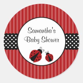 Baby shower rayé de points de coccinelle rouge et sticker rond
