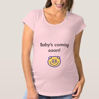 """Baby's Coming Soon!"" Cute Materity Shirt. Maternity T-Shirt"