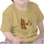 Bacon Loves Eggs Funny Bacon Design Tshirt