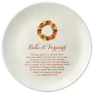 Bake it Forward Autumn Leaves Thanksgiving Wreath Plate