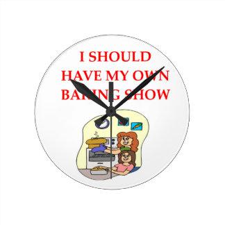 baking round clock